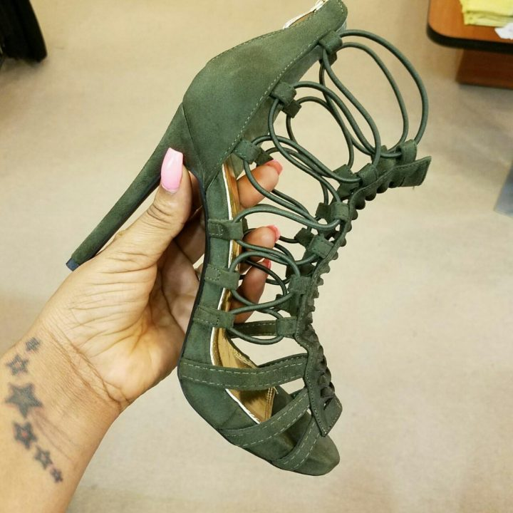 STRAPPY SIDE ANGLE HIGH HEELS OLIVE