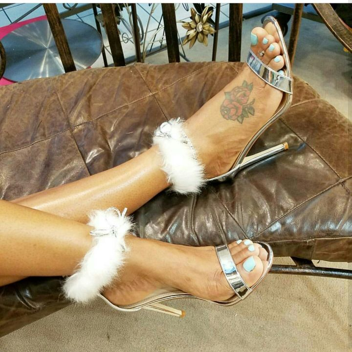 FUR ANKLE FITTED HIGH HEELS SHOE